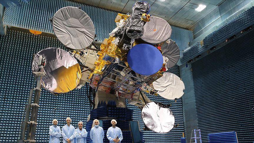 تركيا تستعد لإطلاق قمرين صناعيين للفضاء